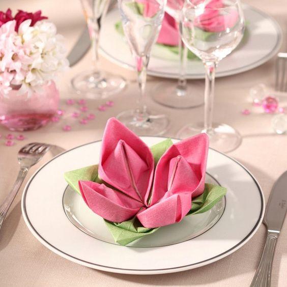 serviette-table-pliage-lotus-decoration