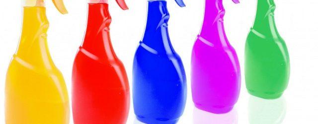 produits ménagers en spray